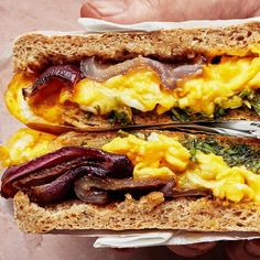 Breakfast Sandwich on an English Muffin With Charred Red Onions, Herbs, and Ched. - Breakfast Sandwich on an English Muffin With Charred Red Onions, Herbs, and Cheddar - Best Egg Recipes, Brunch Recipes, Tailgating Recipes, Barbecue Recipes, Barbecue Sauce, Brunch Ideas, Grilling Recipes, Yummy Recipes, Omelette Recipe