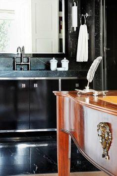 Baño creado por Erico Navazo Estudio con materiales de Azulejos Peña.