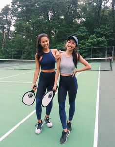 Exercise outfit sets for working out tennis gear, tennis clothes, cute gym outfits Mode Tennis, Tennis Gear, Tennis Clothes, Play Tennis, Shoes Tennis, Tennis Equipment, Cute Gym Outfits, Sport Outfits, Tennis Outfits