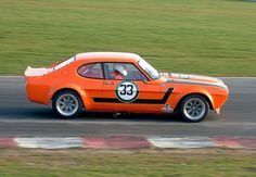 Mk1 Capri Perana-06    Top Hat Race Day at Snetterton, Norfolk, England, Saturday 21st March, 2009. This is Richard Austin's newly built Ford Capri Perana 5 litre V8. The fastest car at the meeting by a long, long way. Stunning preparation and performance.