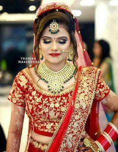 Indian Bridal Photos, Indian Bridal Sarees, Indian Bridal Fashion, Indian Wedding Bride, Indian Wedding Makeup, Indian Makeup, Wedding Outfits For Groom, Indian Wedding Outfits, Bridal Makeup Looks
