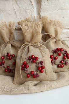 Bolsas de arpillera de regalo Set de cuatro Shabby por FourRDesigns