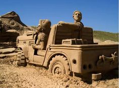 These people take sand castles a bit more seriously (36 Photos)