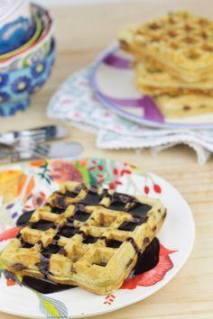 Objetivo: Cupcake Perfecto.: Gofres con chips de chocolate (y sorteo!!!) 260 g harina 1/2 cucharadita de levadura química 1/2 cucharadita de bicarbonato sódico 1/2 cucharadita de sal 3 buenas cucharadas de azúcar moreno 2 huevos 80ml de aceite suave de oliva 325ml de leche Chips de chocolate a porrón