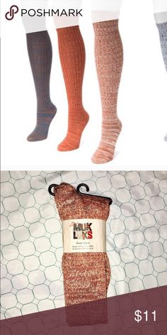 Brand🆕 Copper & Beige Muk Luks Knee-High Socks🐡 This listing is for only one pair of socks. They are the third from the left pair in the first picture above. Brand new with tags, & still in packaging. Copper & Beige colored knee-high socks. These Muk Luks brand knee-highs are incredibly Stretchy, soft and warm. Muk Luks Accessories Hosiery & Socks