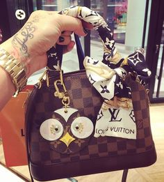 LV Handbags New LV Collection For Louis Vuitton Handbags,Must have it New Louis Vuitton Handbags, Vuitton Bag, Fashion Handbags, Purses And Handbags, Fashion Bags, Louis Vuitton Monogram, Women's Fashion, Fashion Trends, Accessoires Louis Vuitton