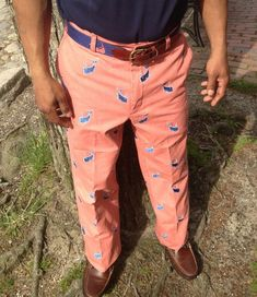 Have a whale of a time in our whale embroidered pants!Details: cotton canvas rise Unfinished Machine wash Made to fade Do not dry clean Imported Preppy Mens Fashion, Golf Fashion, Prep Fashion, Preppy Dresses, Preppy Outfits, Nantucket Red, Ivy League Style, Prep Style, Pants Pattern
