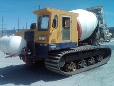 cement mixer - Google Search Mechanical Engineering, Civil Engineering, Old Trucks, Pickup Trucks, Supply Chain Solutions, Mixer Truck, Concrete Mixers, Heavy Machinery, Heavy Truck