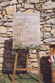 Monsieur Plus Madame Le Blog: UN MARIAGE À LAUDUN Our Wedding, Dream Wedding, Wedding Planer, Winter Wedding Inspiration, Here Comes The Bride, Happy Day, Signage, Wedding Planning, Wedding Decorations