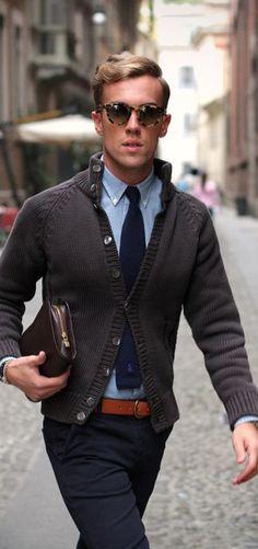 Casual office wear, office style, look fashion, fashion men, mens belts fas Mode Masculine, Fashion Moda, Look Fashion, Fashion Sale, Fashion Outlet, Paris Fashion, Runway Fashion, Girl Fashion, Fashion Suits