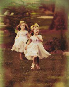 #flowergirls #cute #nature #weddings #dresses #fashion #fashionphotographer #photography #melodypepper