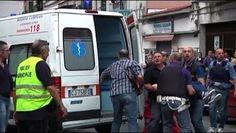 Campania: #Follia in una #palazzina dellarea nord: 48enne tenta di accoltellare paramedici del 118 (link: http://ift.tt/2csBhDc )
