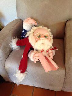 Colorful Fabric Nativity Scene in Cloth Meneses, Holly Hobbie, Nativity, Diy And Crafts, Merry Christmas, Santa, Joy, Fabric, Mesh