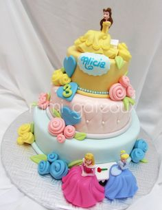 Image detail for -Disney Princess Cake was made by Mimi Gateaux . This Disney Cake . Fancy Cakes, Cute Cakes, Fondant Cakes, Cupcake Cakes, Buttercream Cupcakes, Chocolate Buttercream, Beautiful Cakes, Amazing Cakes, Birthday Cake Girls
