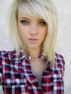 @Joanna Szewczyk Szewczyk Gierak Szewczyk Gierak Szewczyk Gierak Davis Asymmetrical blonde hairstyle- love everything about this hair