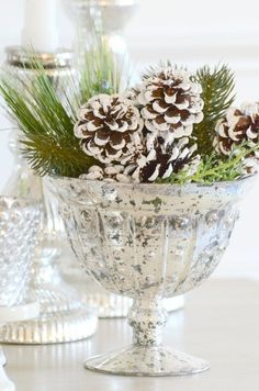 CHOOSING AND USING FAUX CHRISTMAS GREENS IN YOUR HOME DECOR
