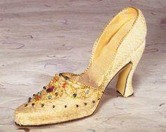 """""""FETE"""" Brillance Miniature Shoe"""
