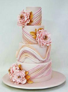 .Swirled ruffle cake