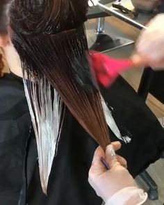 Are you looking for best hair colors to apply for long hair? Just see here, we have made a collection of fantastic long balayage colored hairstyles Hair Color Dark, Brown Hair Colors, Hair Color Balayage, Hair Highlights, How To Balyage Hair, How To Balayage, Diy Balayage At Home, Bayalage, Haircolor