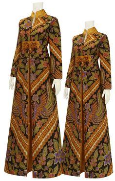 Model Dress Batik, Batik Dress, Muslim Fashion, Hijab Fashion, Fashion Dresses, Floral Prom Dresses, Nice Dresses, Batik Muslim, Muslimah Wedding Dress
