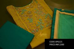 Kurti Embroidery Design, Embroidery Suits, Hand Embroidery Designs, Ribbon Embroidery, Churidar Neck Designs, Salwar Designs, Indian Fashion Trends, Indian Designer Outfits, Kamiz Design