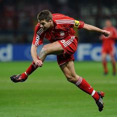 Premier League Soccer, England International, Steven Gerrard, English Premier League, Liverpool Football Club, Baseball Cards, Running, Guys, Sports