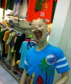 I See Your Venezuelan Mannequins And I Raise You The Philippines lucu I See Your Venezuelan Mannequins And I Raise You The Philippines Funny Meme Pictures, Memes Funny Faces, Funny Kpop Memes, Memes Humor, Funny Images, Random Pictures, Haha Funny, Hilarious, Cartoon Jokes