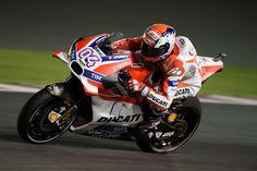 MotoGP. Гонщики Ducati в превосходной форме во второй день практики в Катаре: Янноне на первом месте, Довициозо четвёртый. | GP RACING