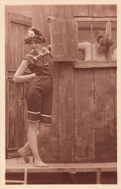 Posts about beach written by hmoong Vintage Girls, Vintage Love, Vintage Art, Vintage Pictures, Old Pictures, Old Photos, Bathing Costumes, Lovely Creatures, Bathing Beauties