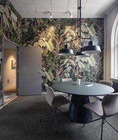 Krook & Tjäder - Sveriges Snyggaste Kontor Rebel Fashion, Inspirational Wallpapers, Room Wallpaper, Wall Murals, Color Schemes, Dining Table, Architecture, Interior Ideas, Furniture