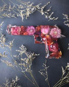 Diy Resin Art, Diy Resin Crafts, Gun Aesthetic, Art Du Monde, Apple Logo Wallpaper Iphone, Gun Art, Resin Flowers, How To Preserve Flowers, Gel Nail Designs