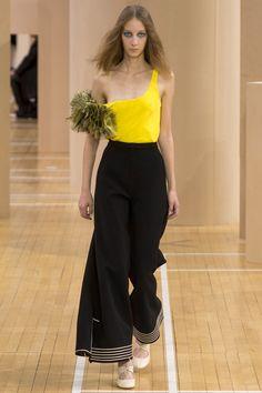 Roksanda Spring 2016 Ready-to-Wear Collection Photos - Vogue#1#2