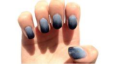 Blue/grey ombre nails