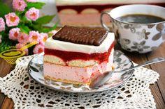 """z cukrem pudrem: ciasto """"Truskawkowa rozkosz"""" (bez pieczenia)"""
