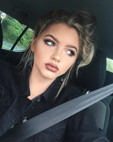 Find images and videos about hair, beauty and makeup on We Heart It - the app to get lost in what you love. Makeup Goals, Makeup Inspo, Makeup Inspiration, Sophia Mitchell, Beauty Make Up, Hair Beauty, Le Rosey, Formal Makeup, Cute Makeup