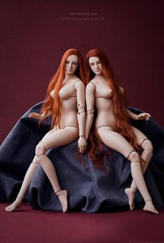 http://deavivente.com - Porcelain ball-jointed dolls and photos by Anya Kozlova.  These are so gorgeous!  Beautiful, voluptuous, realistic bodies.