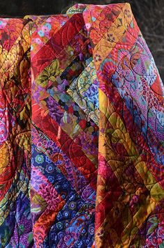 Modern Patchwork Quilt done in Kaffe Fassett fabrics, by Poppety Quilt at Etsy. Colchas Quilt, Scrappy Quilts, Quilt Bedding, Quilt Blocks, Jellyroll Quilts, Quilting Projects, Quilting Designs, Quilt Modernen, Colorful Quilts