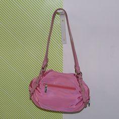 Gabor női táska 5,990 Ft Mérete: 30 x 20 cm - Anyaga: Vászon Készlet: 1 db Cikkszám: 439