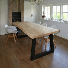 Boomstam - Tafel en meer | Kracht, karakter en eerlijkheid Dinning Table, Wood Table, Industrial Living, Home Alone, Interior Design Living Room, Home Kitchens, Sweet Home, New Homes, Furniture