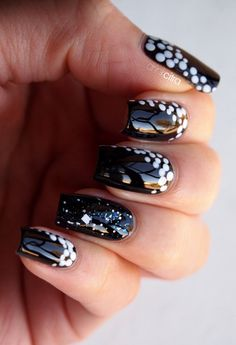 First classy Black & White nails that I actually like!!!!
