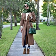 Brown coat hijab-Furry sleeves sweaters with hijab – Just Trendy Girls