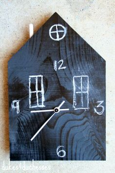 DIY chalkboard house clock {a West Elm knock-off} Diy Craft Projects, Home Projects, Fun Crafts, Craft Ideas, Diy Clock, Clock Ideas, Clock For Kids, Diy Chalkboard, Wood Clocks