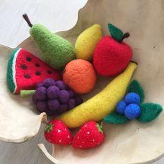 Felt Fruit, Felt Food, Cute Crafts, Felt Crafts, Wet Felting, Needle Felting, Felt Bunny, Felt Mouse, Felt Decorations