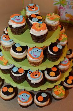 Google Image Result for http://www.embracinghome.com/babyshower-images/jungle-cupcakes.jpg