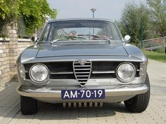 Chassis Numer AR 1236676, produced in May 1969. This car is one of the most beautiful GT's in the Dutch Alfa scene. It is finished in it's original colour Metallic Medium Grey (AR 728), which will most likely be the best colour you have ever seen on a GT – it's stunning! The car is …