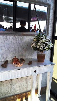 Rol de entrada decorado por TPM com seus itens de decoração (vasos altos de cerâmica) https://www.facebook.com/TPMsolucoescriativos