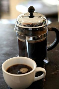 Coffee Press - If you ask nicely, Starbucks baristas will use a french press to brew you a cup of any coffee you want. I Love Coffee, Coffee Break, Morning Coffee, Coffee Drinks, Coffee Cups, Coffee Coffee, Coffee Tables, Coffee Life, Coffee Travel