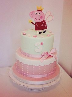 Tooth fairy Peppa Pig cake - Cake by Bella's Bakery - CakesDecor 3 Year Old Birthday Cake, Peppa Pig Birthday Cake, Birthday Cake Girls, Princess Birthday, 3rd Birthday, Cupcake Party, Party Cakes, Bolo Fake Peppa, Tortas Peppa Pig