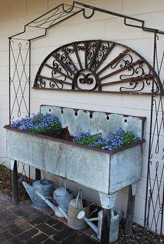 Lobelia in old sink. Garden Sink, Herb Garden, Outdoor Projects, Outdoor Decor, Outdoor Curtains, Outdoor Ideas, Outdoor Living, Outdoor Sinks, Potting Tables