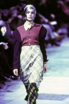 Comme des Garçons Fall 1993 Ready-to-Wear Fashion Show